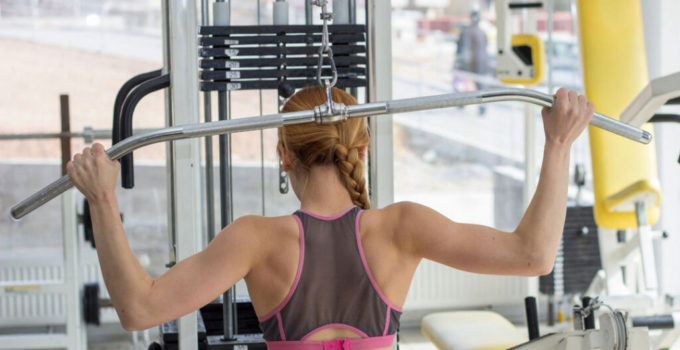 Lat Pulldown Vs. Cable Pulley Tower: Differences Between Lat Pulldown Machines vs. Cable Pulley Tower In 2021