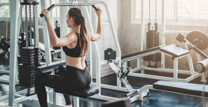 Pull-Up Vs Lat Pulldown: Which Builds A Wider Back?